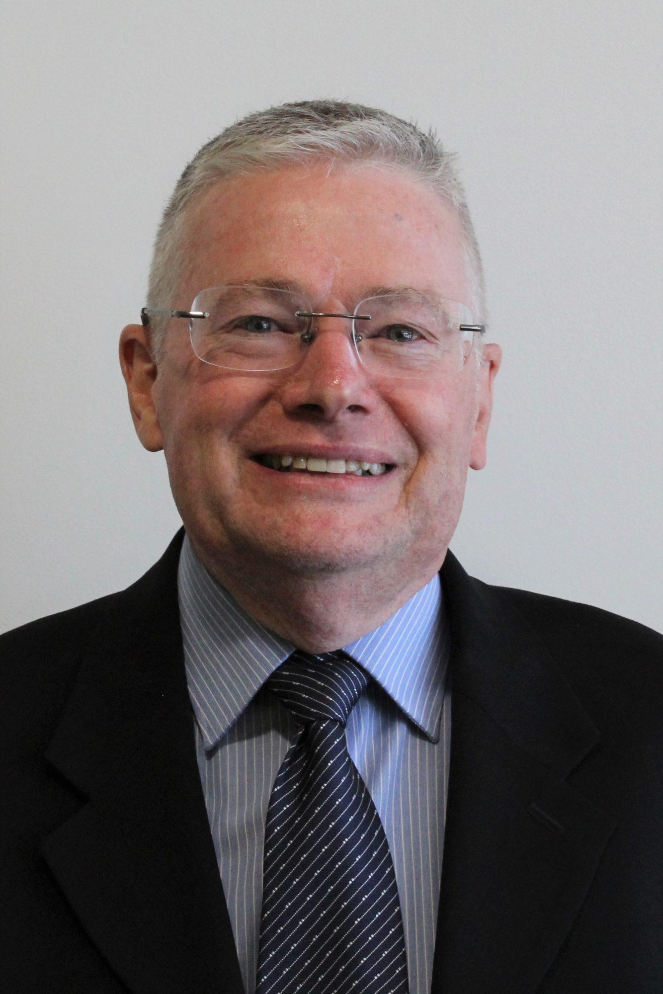 Dr Glen Brand