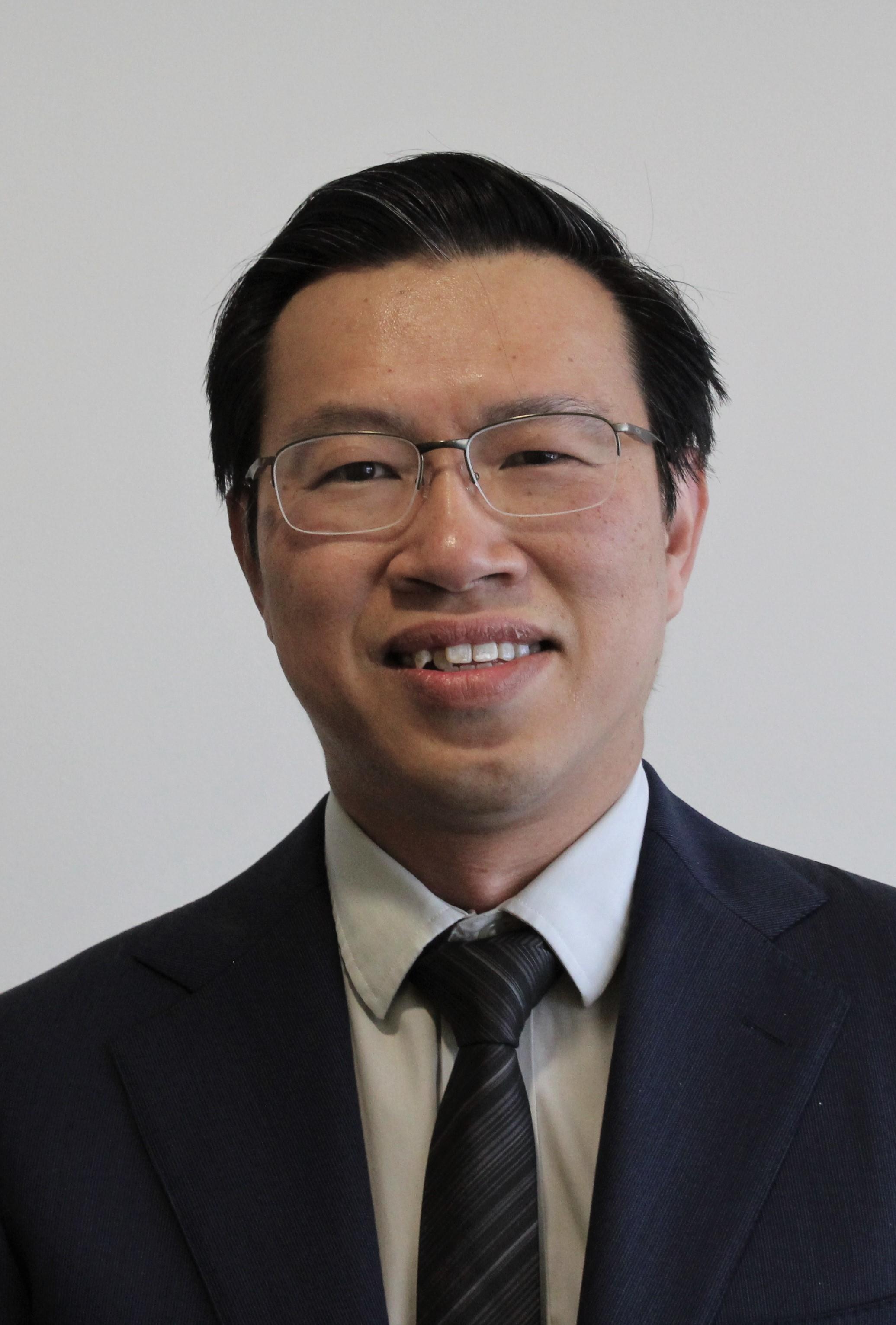 Dr Jee Kong